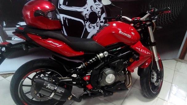 نمونه کار سرامیک بدنه موتورسیکلت