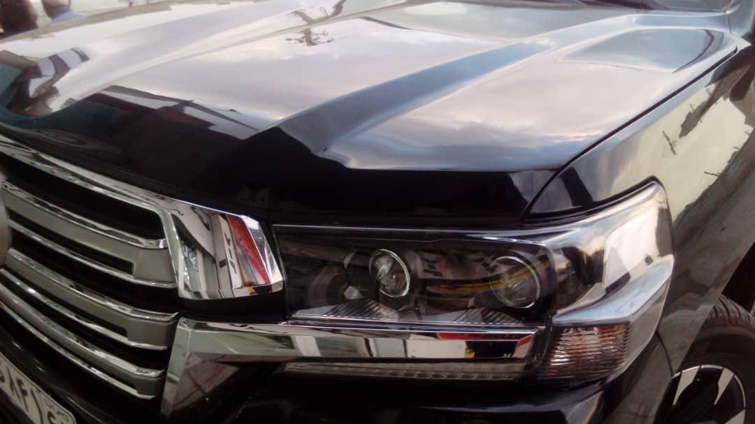 نمونه سرامیک بدنه خودرو